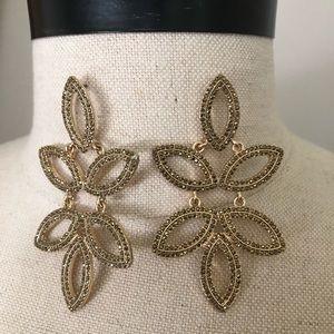 Gold Petal Pattern Earrings